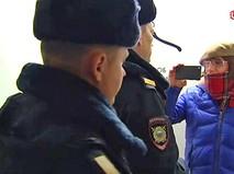 Полиция на фотовыставке Стерджеса