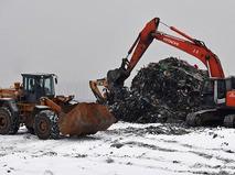 """Строительная техника на полигоне твердых бытовых отходов """"Кучино"""" в Балашихе"""