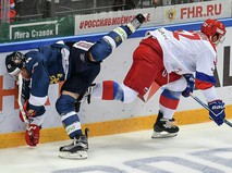Матч между сборными России и Финляндии по хоккею