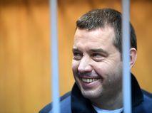 Бывший глава федерального агентства по обустройству государственной границы России (Росграницы) Дмитрий Безделов, обвиняемый в хищении бюджетных средств, в Мещанском суде города Москвы