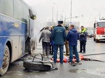 Ликвидация возгорания в моторном отсеке заказного автобуса с пассажирами на Волгоградском проспекте