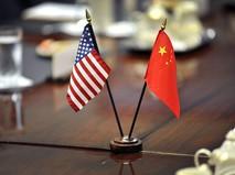 Флаг КНР и США
