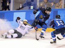 Матч олимпийского женского турнира между командами Финляндии и США