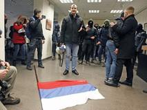 Украинские неонацисты решили поджечь здание Россотрудничества в Киеве