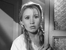 Актриса Екатерина Савинова