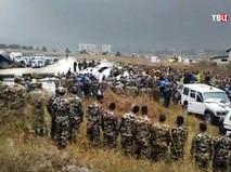 Последствия падения самолета в Непале
