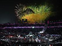 Салют над Олимпийским стадионом