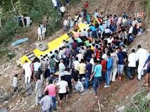 Последствия ДТП с участием автобуса в Индии