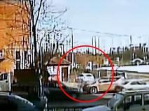 Водитель протаранил ворота полиции