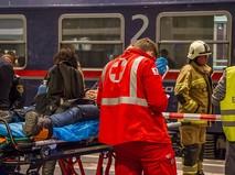 Спасательные службы на месте аварии поезда в Австрии