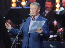 Семён Альтов на церемонии вручения премии Федерации еврейских общин России