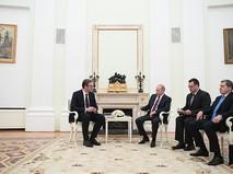Президент России Владимир Путин и президент Сербии Александр Вучич