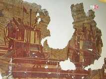Фрагмент фрески с изображением комбайнера найденной на ВДНХ