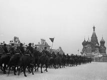 За ними была Москва