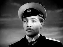 "Кадр из фильма ""Мичман Панин"""