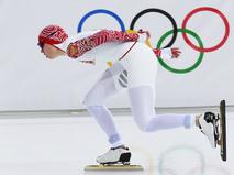 Ольга Фаткулина (Россия) на дистанции в забеге на 1500 метров в соревнованиях по конькобежному спорту
