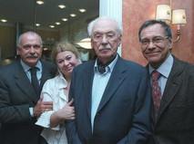 Сергей Михалков с супругой и сыновьями