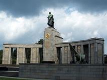 Мемориал павшим советским воинам в Тиргартене