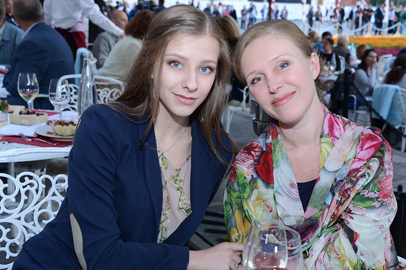 Лиза шарабидино с мамой фото 506-791