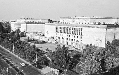 """Главный корпус киностудии """"Мосфильм"""". 1972 год"""