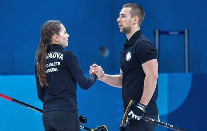 Олимпийские атлеты из России Анастасия Брызгалова и Александр Крушельницкий