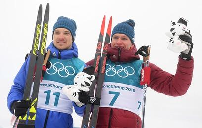 Российский спортсмен Андрей Ларьков – бронзовая медаль и российский спортсмен Александр Большунов – серебряная медаль