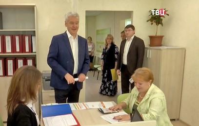 Собянин посетил центр информирования граждан по программе реновации в СВАО