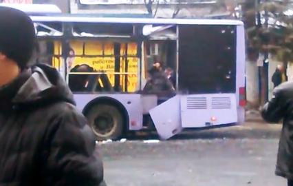 Последствия обстрела троллейбуса в