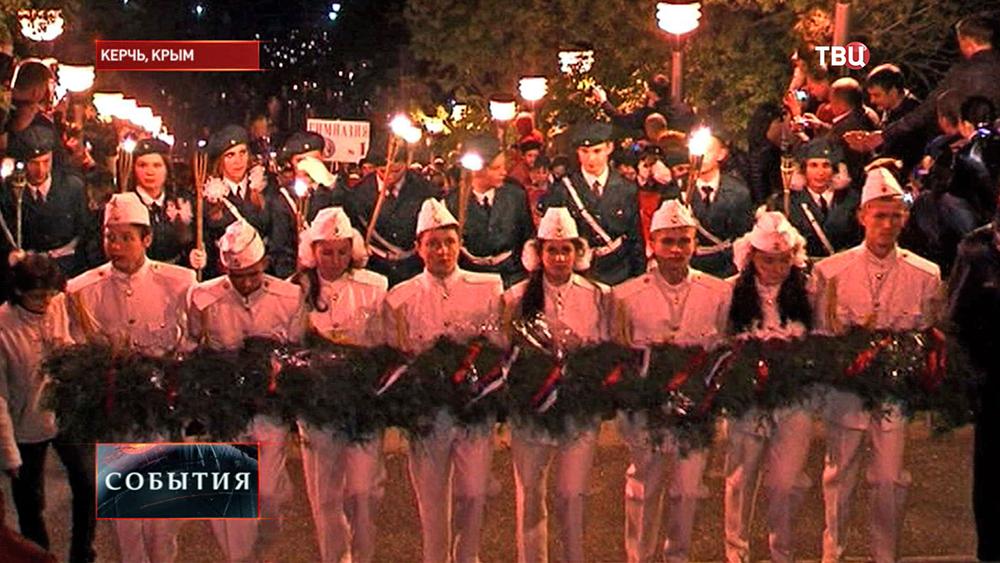 Факельное шествие по случаю Дня Победы в Керчи
