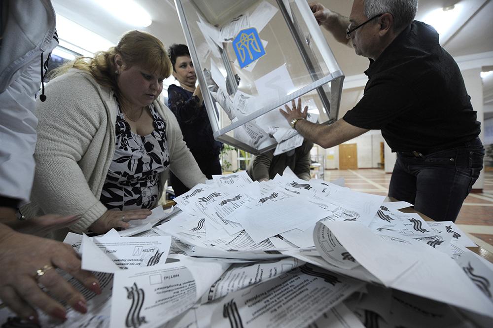 Во время подсчета голосов на референдуме о статусе юго-востока Украины