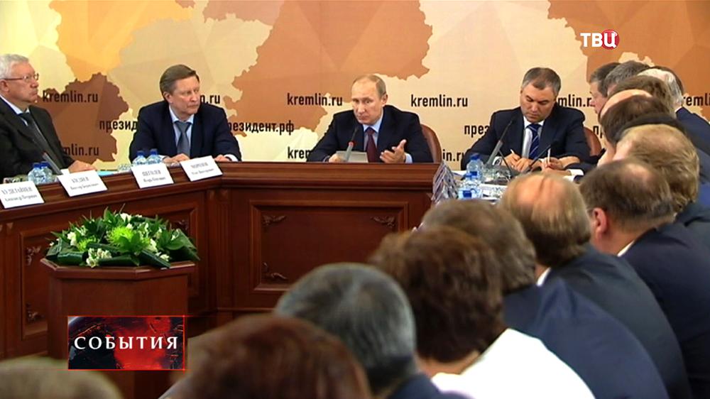 Президент РФ Владимир Путин на Совете по развитию местного самоуправления в Иванове