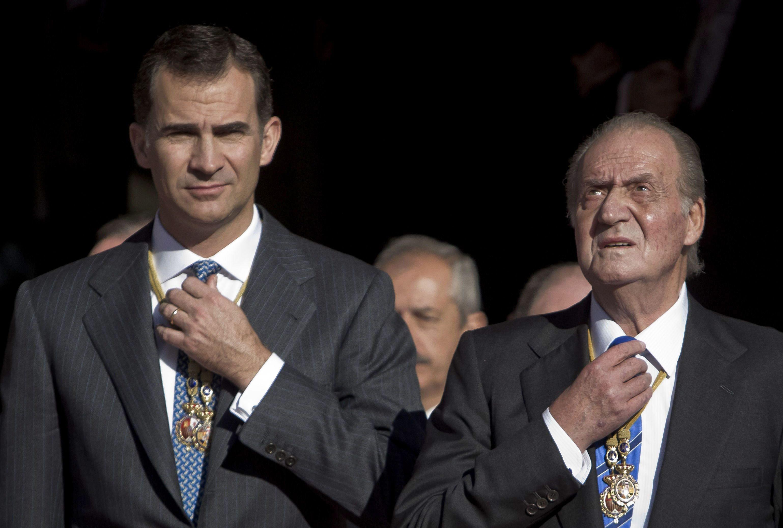 Король Испании Хуан Карлос I и его сын Филипп Астурийский