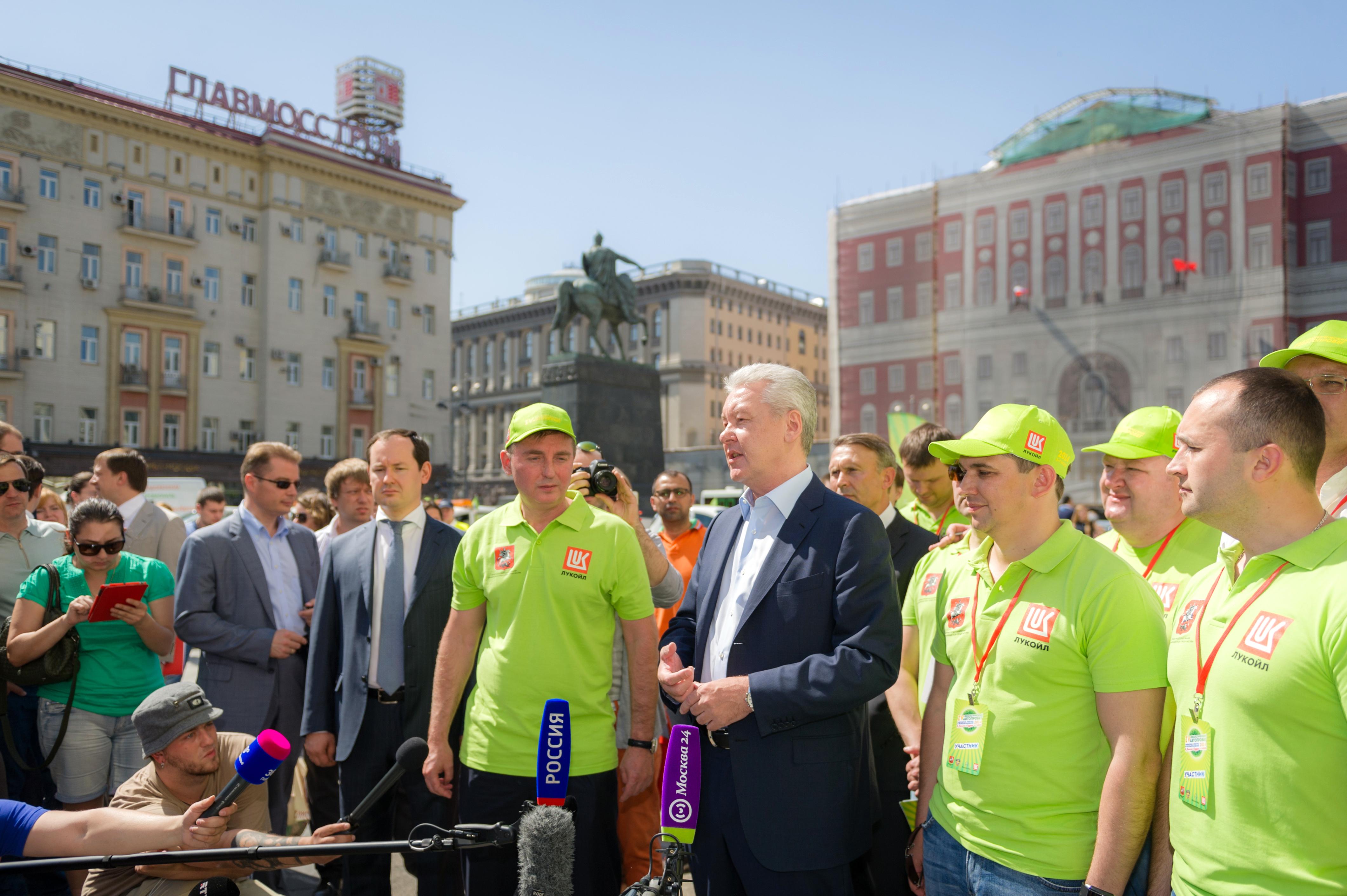 Сергей Собянин на открытии ежегодного экологического автопробега в Москве