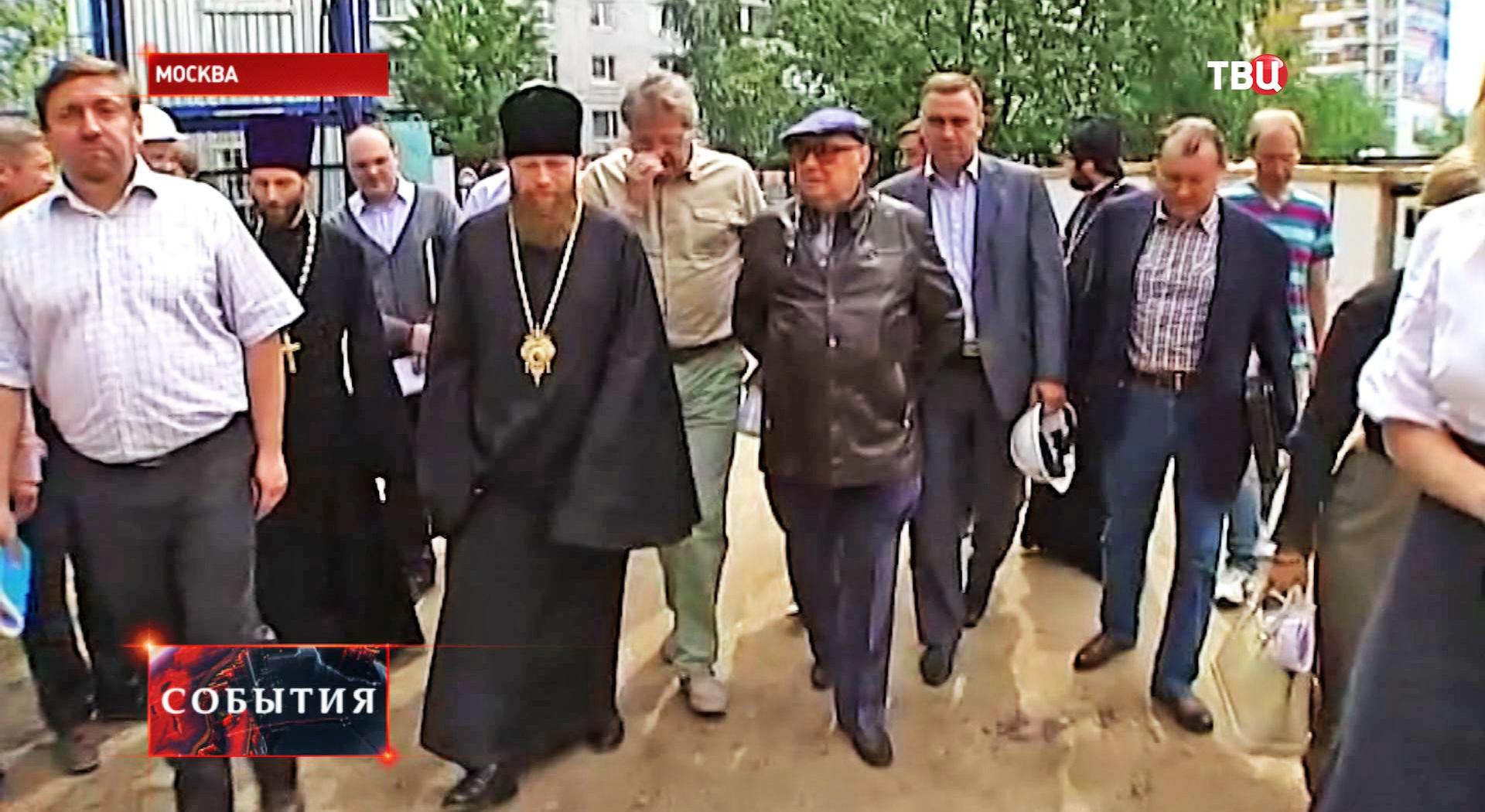 Владимир Ресин инспектирует строительство храма