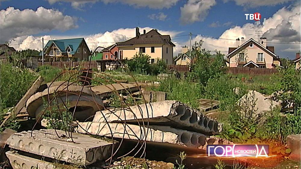 Свалка строительных отходов возле дачных участков
