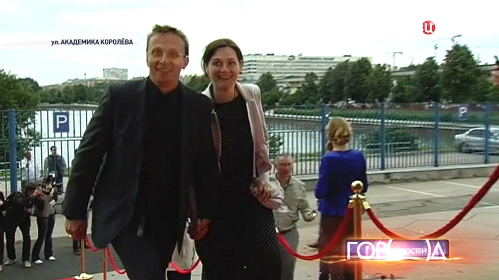 Иван Охлобыстин с супругой Оксаной  на церемонии вручения национальной телевизионной премии ТЭФИ
