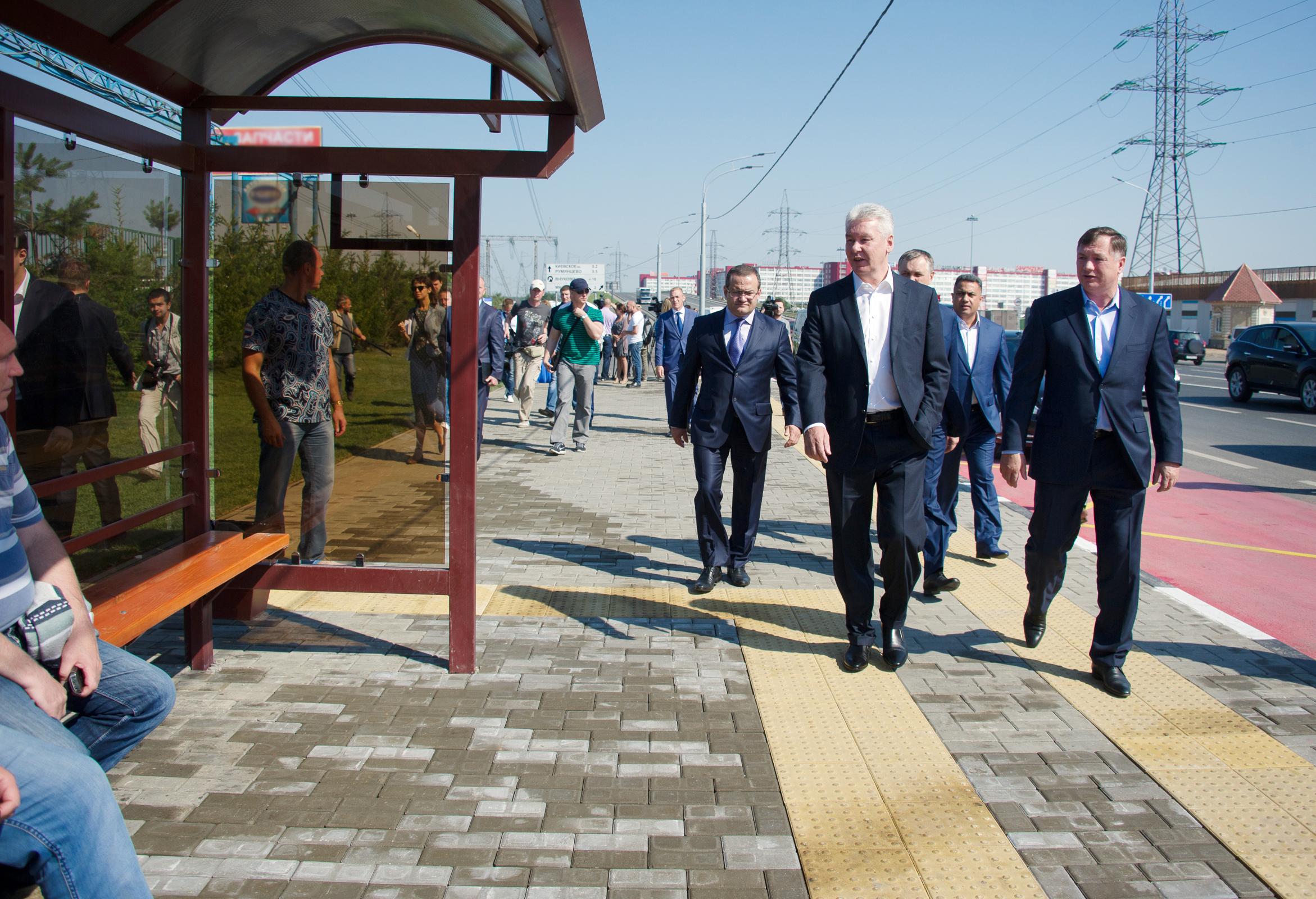 Сергей Собянин во время открытия движения по реконструированной дороге от Киевского до Калужского шоссе
