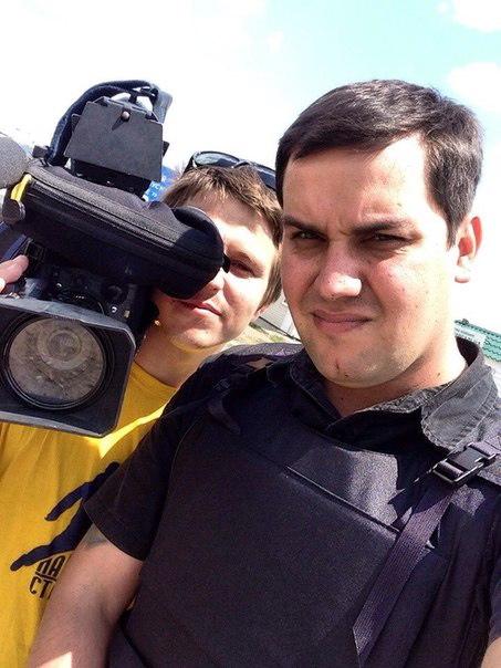 Телеоператор Константин Юдин и специальный корреспондент РЕН ТВ Денис Кулага (слева направо)