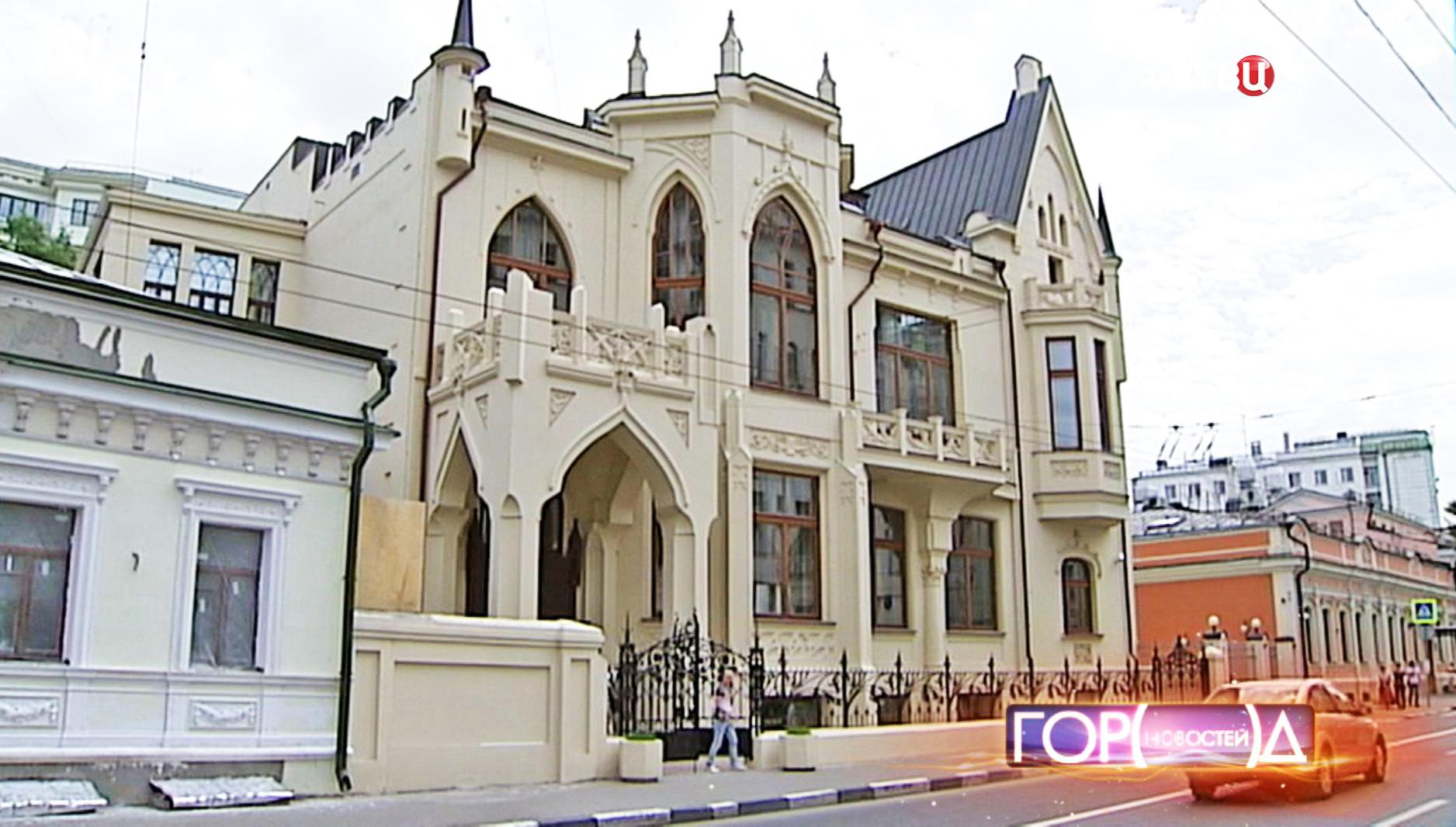 Особняк братьев Новиковых на улице Большая Полянка