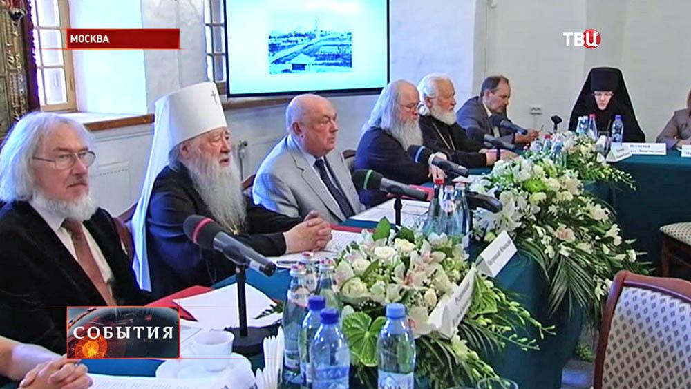 Пресс-конференция в Новодевичьем монастыре