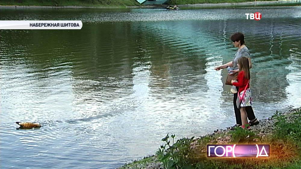 Отдыхающие на Черкизовском пруде