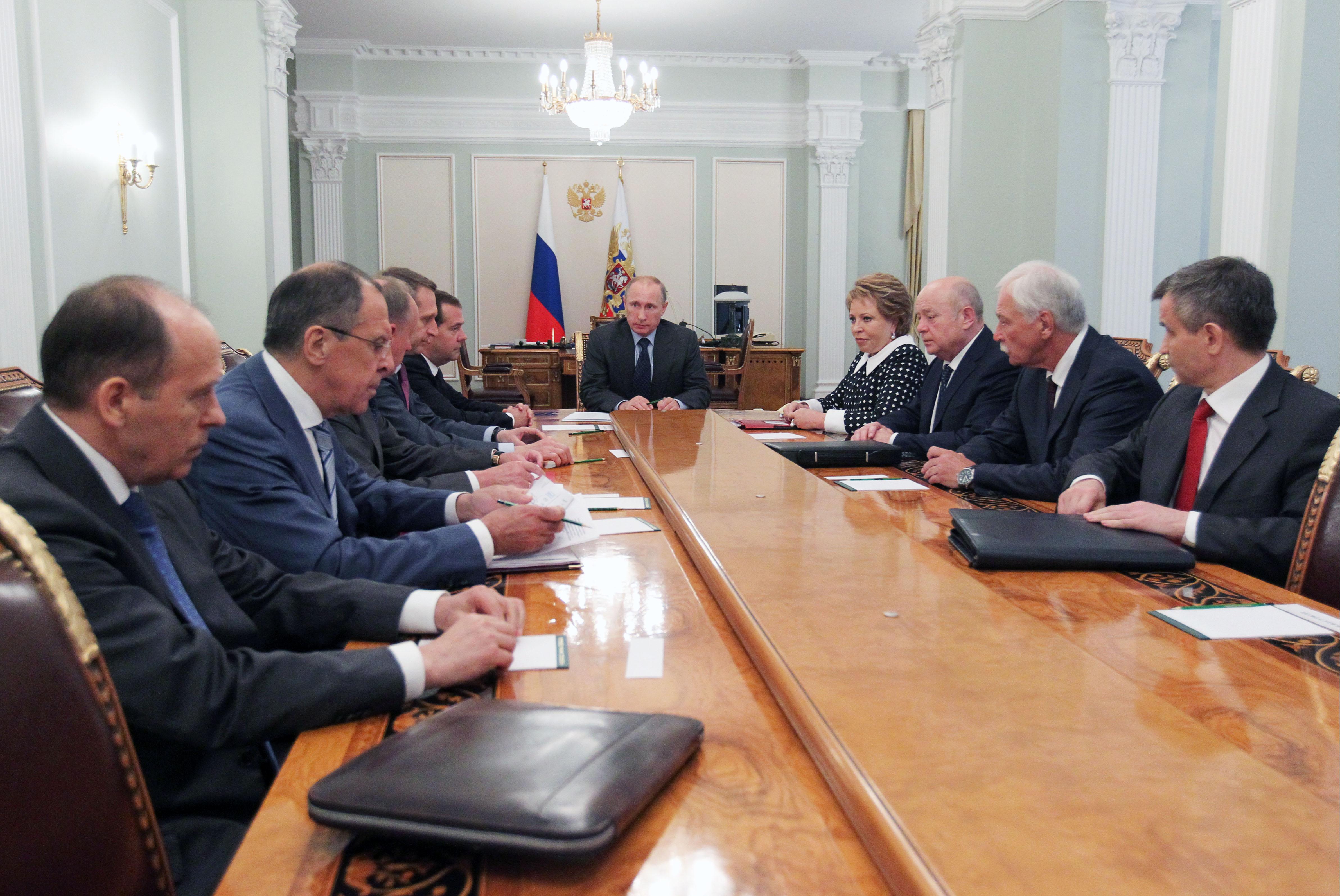 Президент России В.Путин провел совещание с членами Совета безопасности РФ