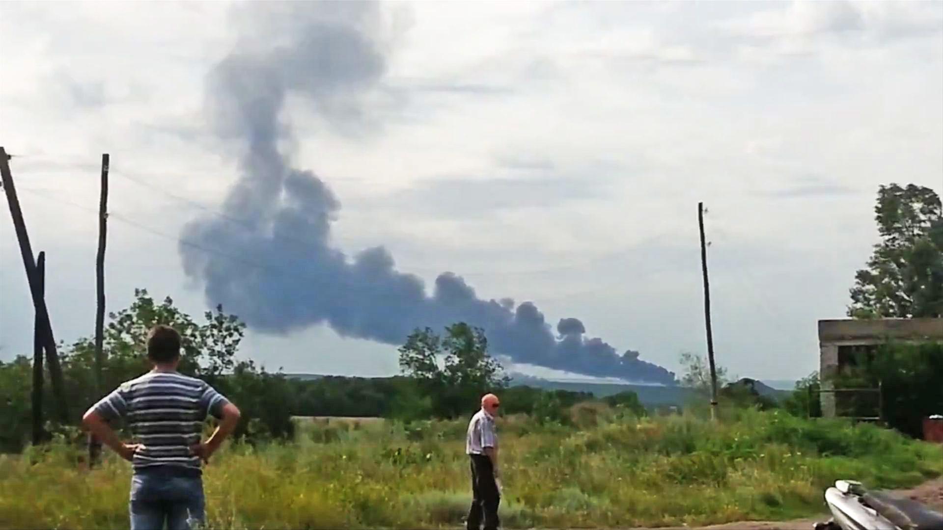 Возгорание после падения самолета Ан-26