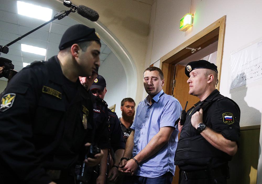 Подозреваемый по делу об аварии в столичном метро Алексей Трофимов в суде