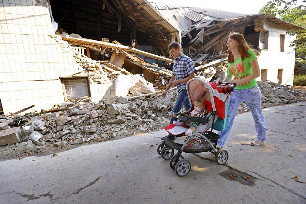 Жители обстрелянных районов на юго-востоке Украины