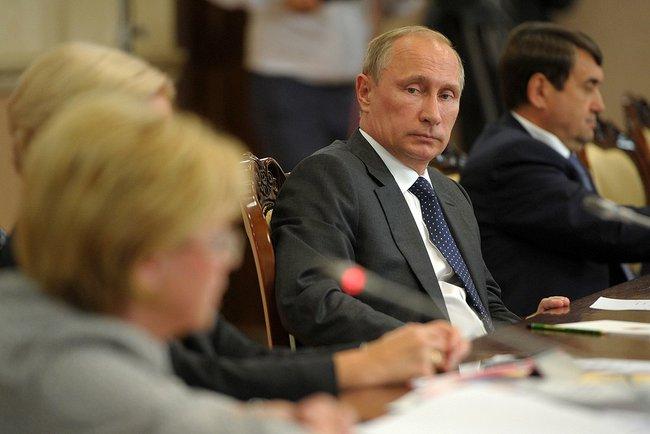 Владимир Путин на заседании президиума Госсовета