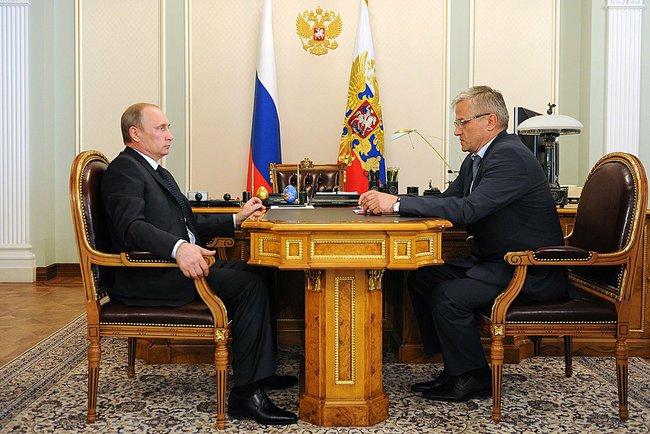 Президент России Владимир Путин и ректор Первого Санкт-Петербургского государственного медицинского университета Сергей Багненко