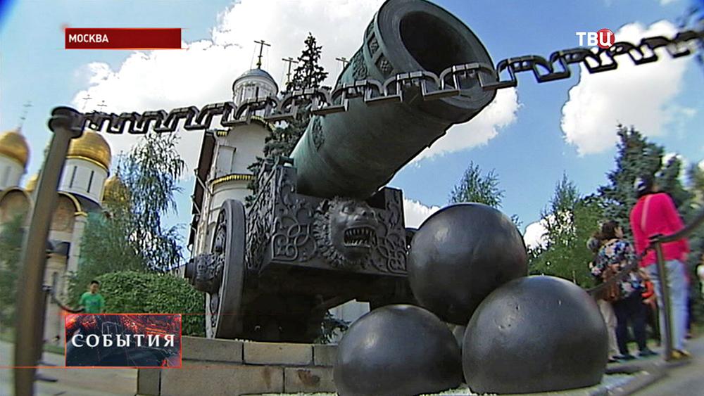 Царь-пушка в Московском Кремле