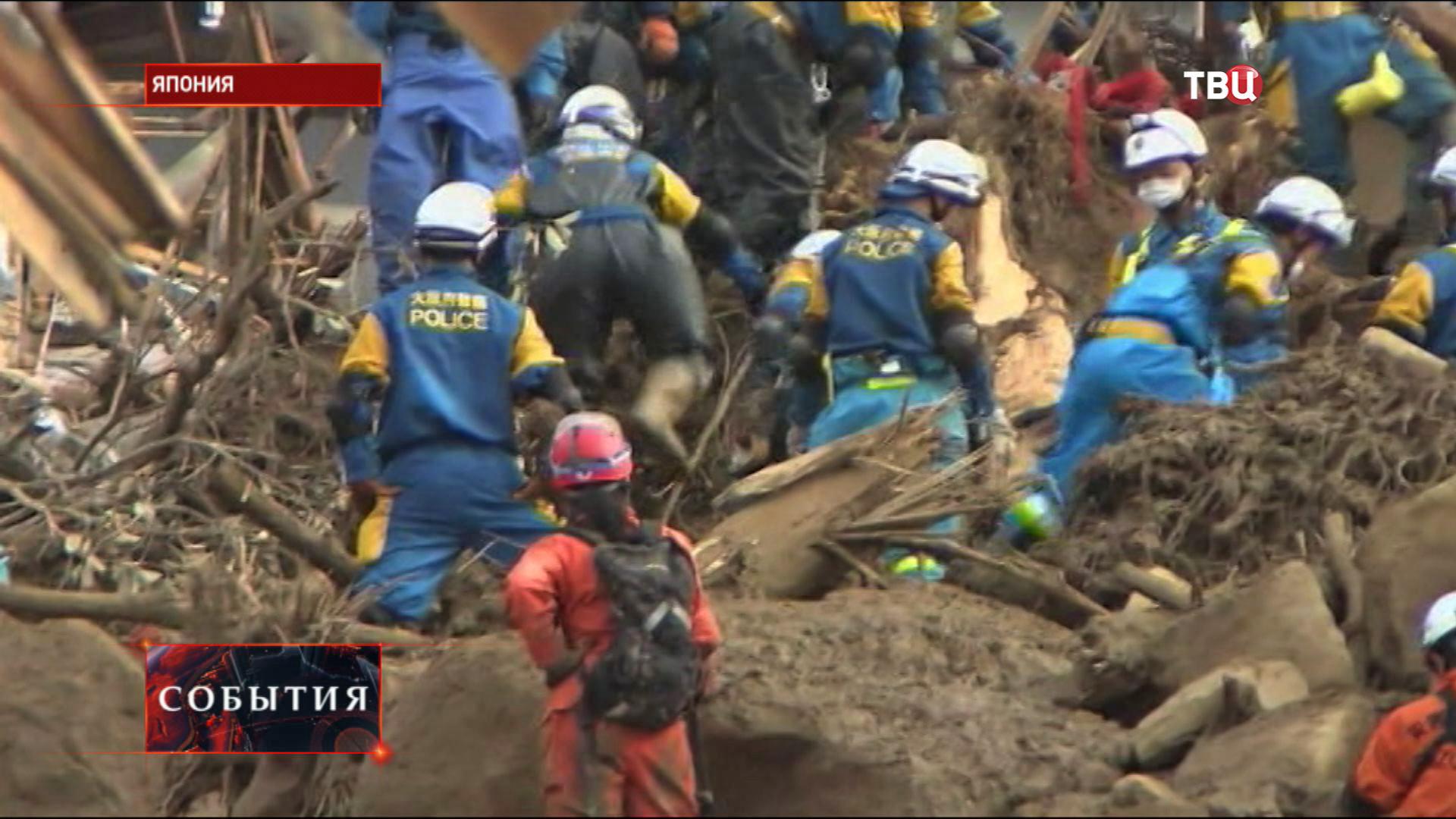 Спасатели в Японии