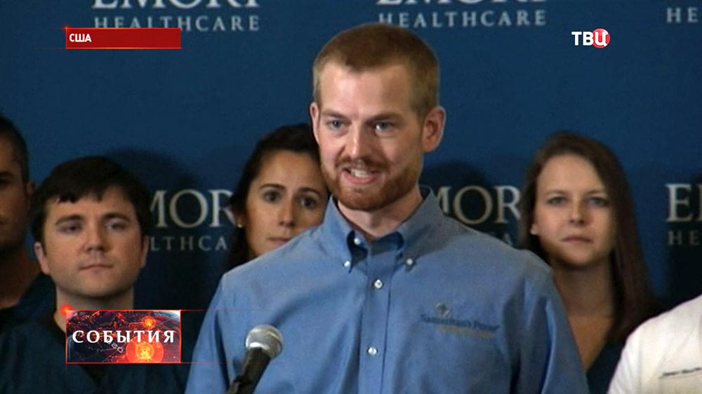 Американский медик Кент Брентли излечился от лихорадки Эбола